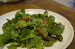 Przepis na salatke z bobu boczku i miety 300x199 Sałatka z bobu, sałaty i boczku