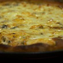 Pizza margarita, pyszny przepis na kolację