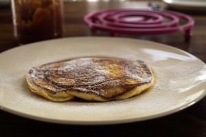 omlet na słodko 300x199 Puszysty omelt na słodko