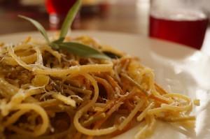 przepis na spaghetti z szałwią 300x199 Spaghetti z szałwią